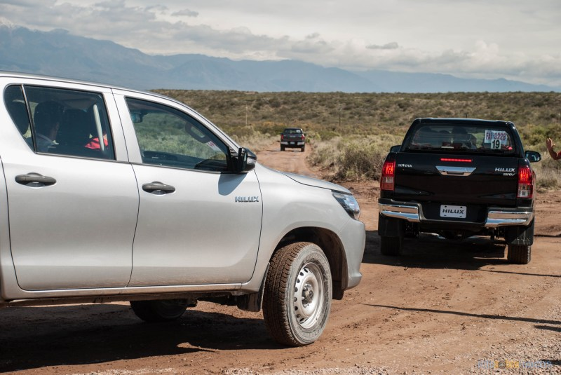 Contacto: Toyota Hilux 2016 35