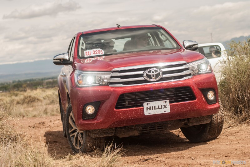 Contacto: Toyota Hilux 2016 52