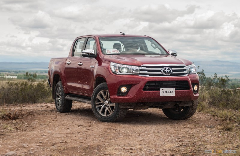 Contacto: Toyota Hilux 2016 58