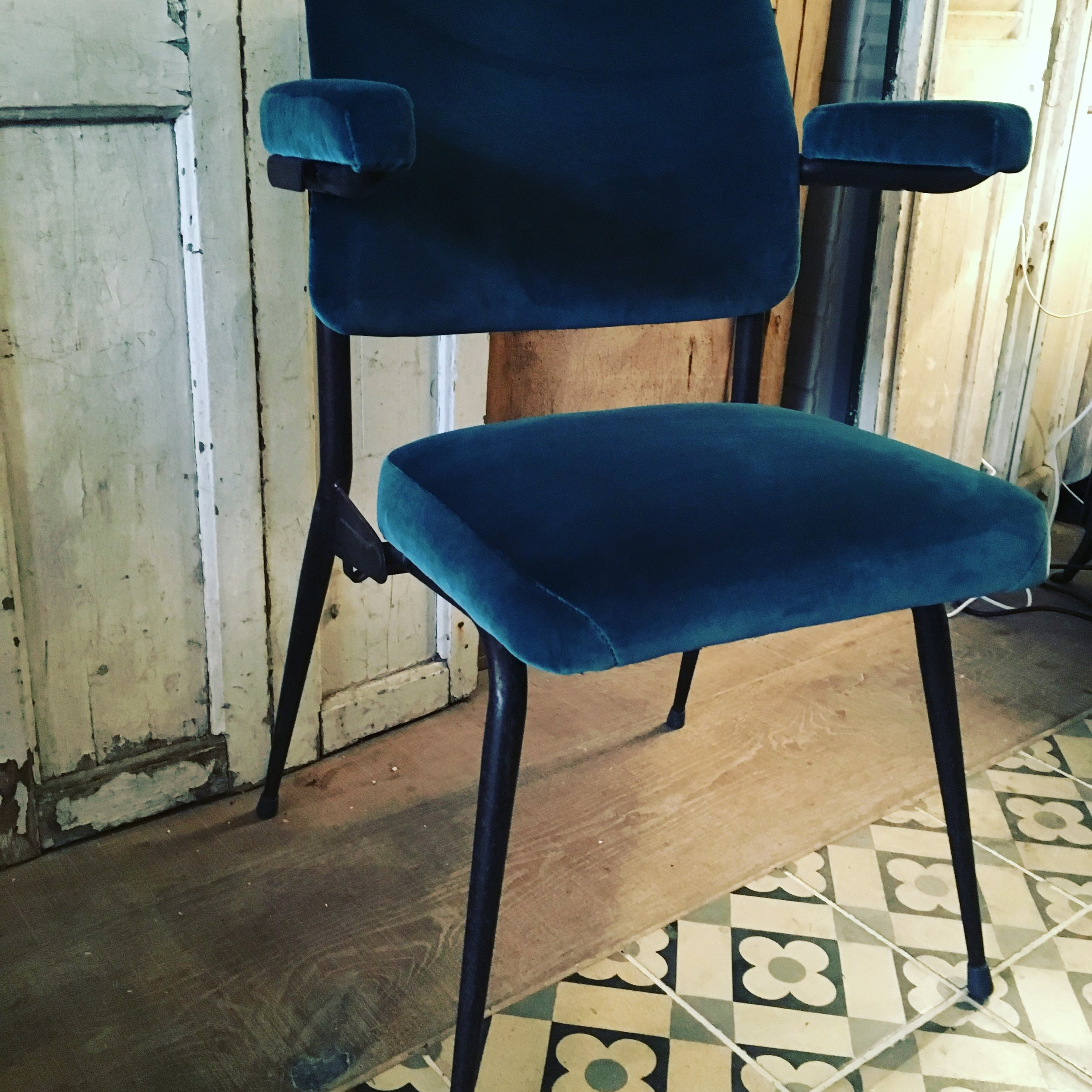 Refurbished Chairs 1950 S Cinema Chairs Revived