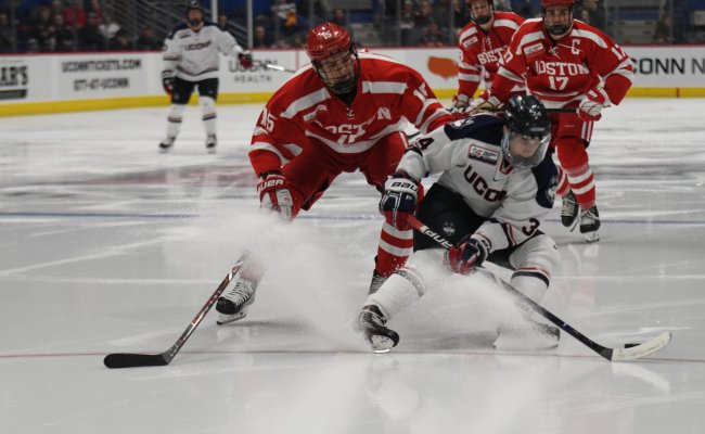 Men S Hockey Notebook Huskies Finally Find Identity The