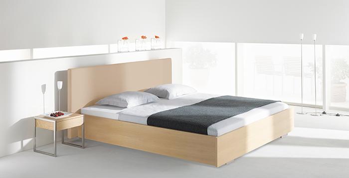 axel bloom sofa brown leather sale bed frame luma piedi german adjustable