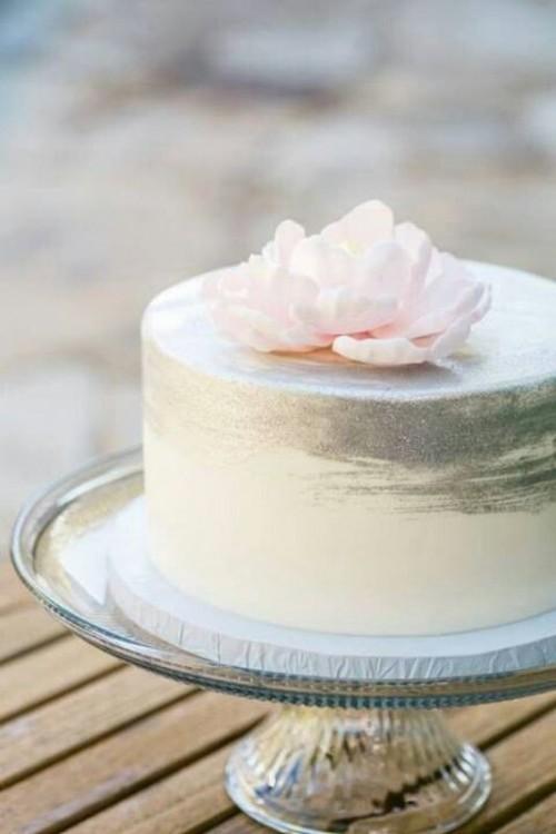 14 Minimalist White Wedding Cake Styles  the bohemian wedding