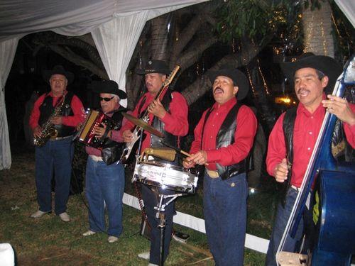 Cowboy mariachis