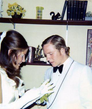 Prom flower1971003