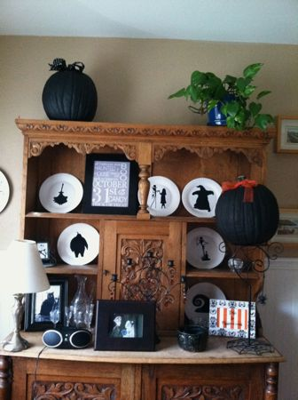Black & white Halloween hutch