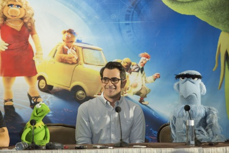Muppets Most Wanted Ricky Gervais_Ty Burrell_Sam Eagle