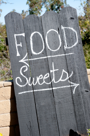 Fence-chalkboard-sign