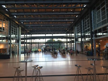 Pixar-steve-jobs-building-lobby