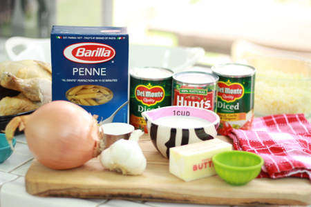 Chicken-and-pasta-bake-ingredients