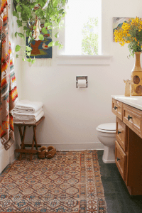 WANT TO TRY / A PERSIAN RUG IN THE BATHROOM  MISS PRINTS