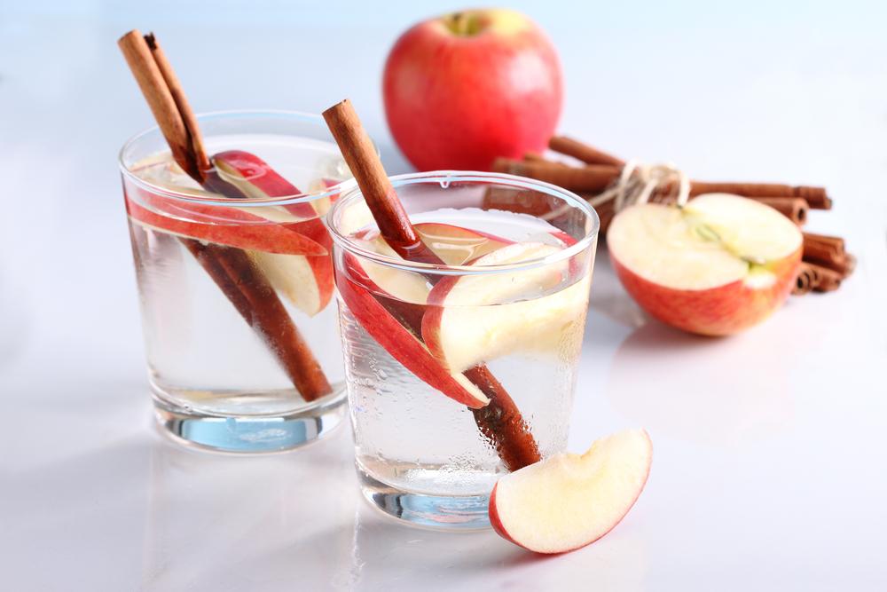 apple detox water के लिए इमेज परिणाम