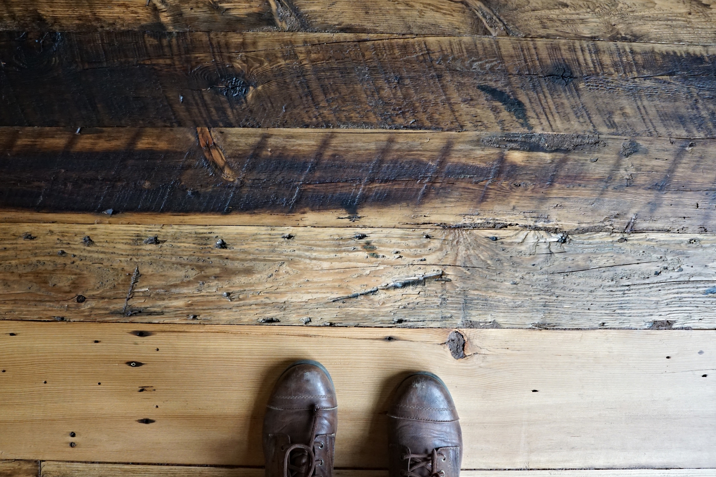 How To Sand Reclaimed Wood