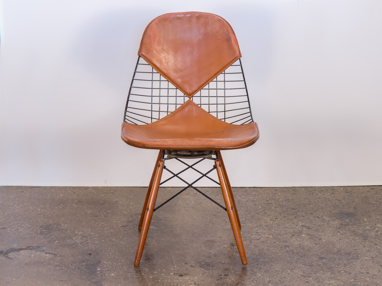 swivel chair quotes yellow upholstered dining room chairs eames five things about charles ray that original pkw 2 wire on dowel base
