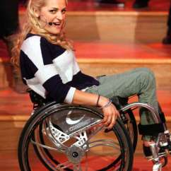 Wheelchair Glee Invacare Clinical Recliner Geri Chair Ali Stroker Is Breaking Down Broadway Boundaries The Skidmore News