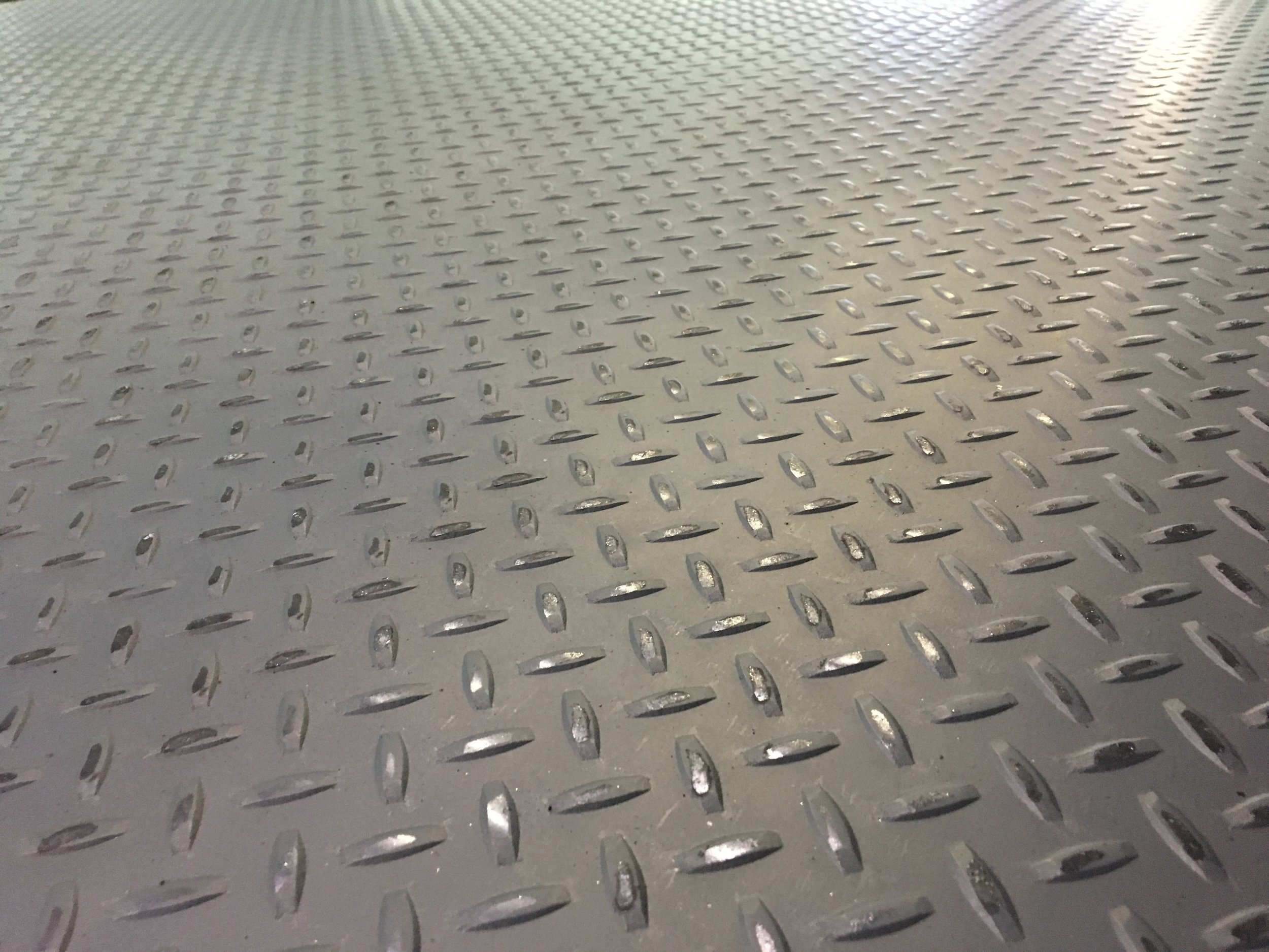what is diamond plate