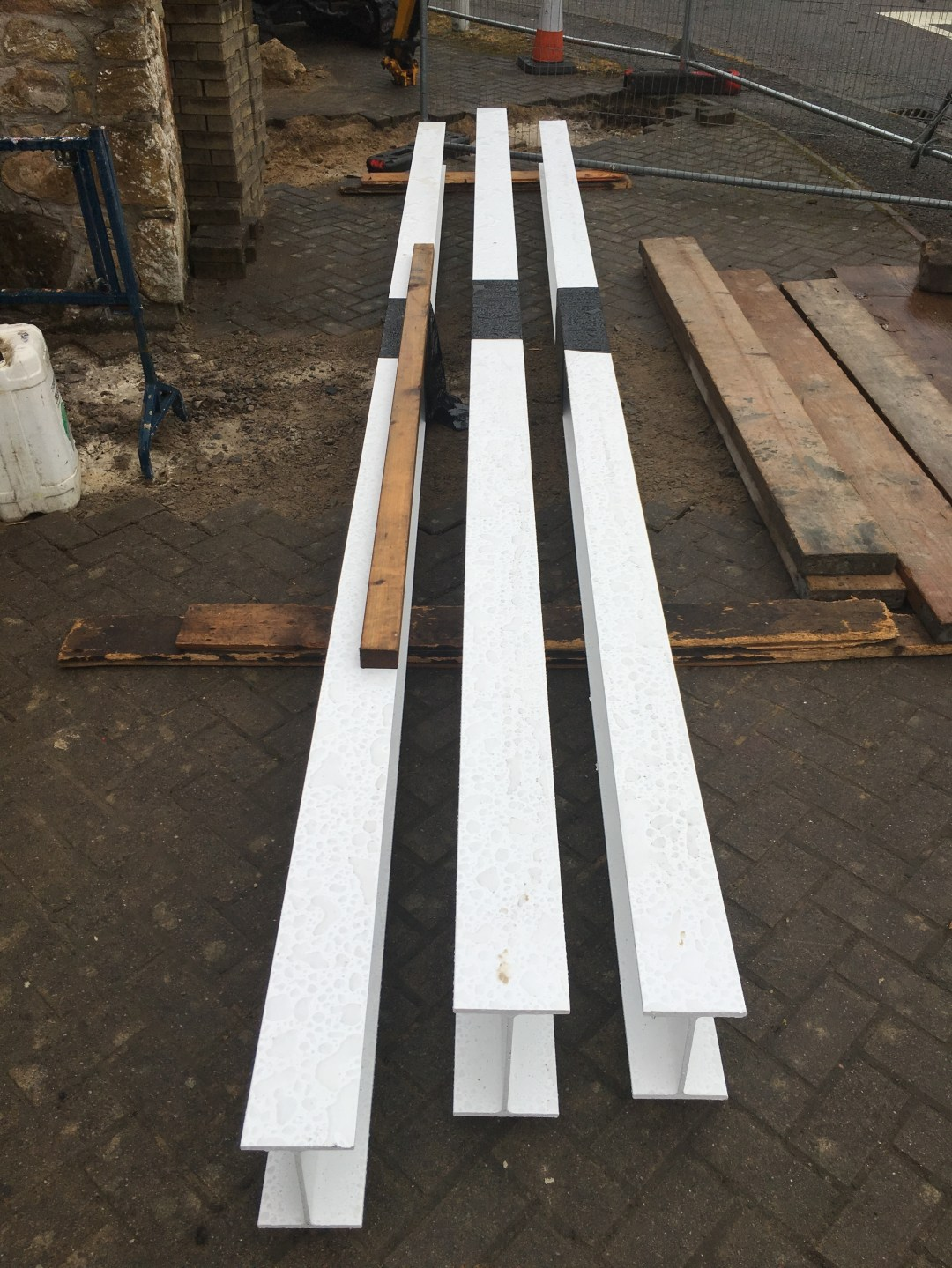 Support beams for the 1st floor!