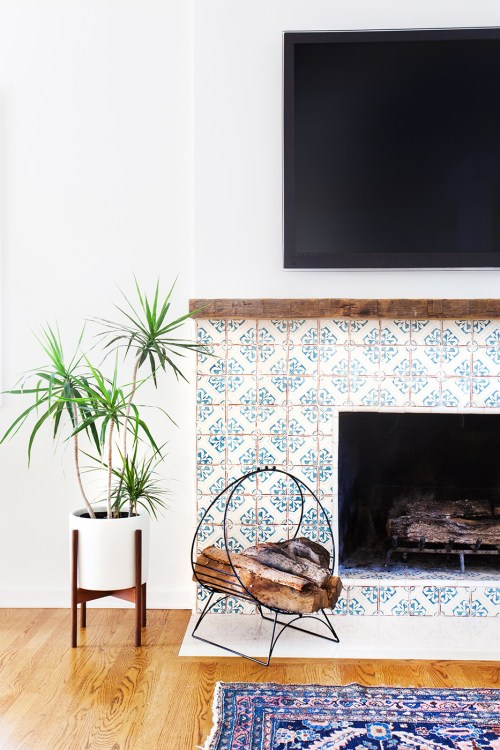Talavera Tile Fireplace Outline Simple Blue and White Style Hardwood Floors Indoor Plants