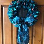 Christmas Rag Wreath With Shapable Fabric Bow Tutorial Tips Wefty