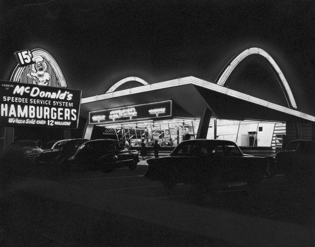 The first McDonald's fast food franchise c.1955 Source: Time Magazine