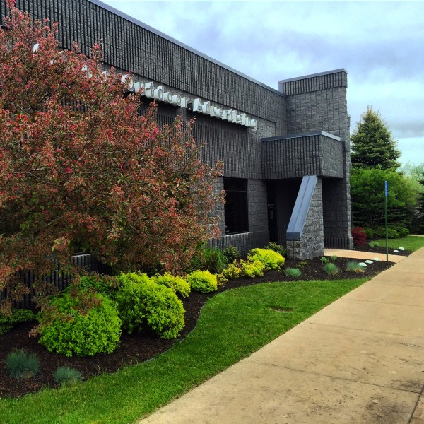 commercial landscaping contractor