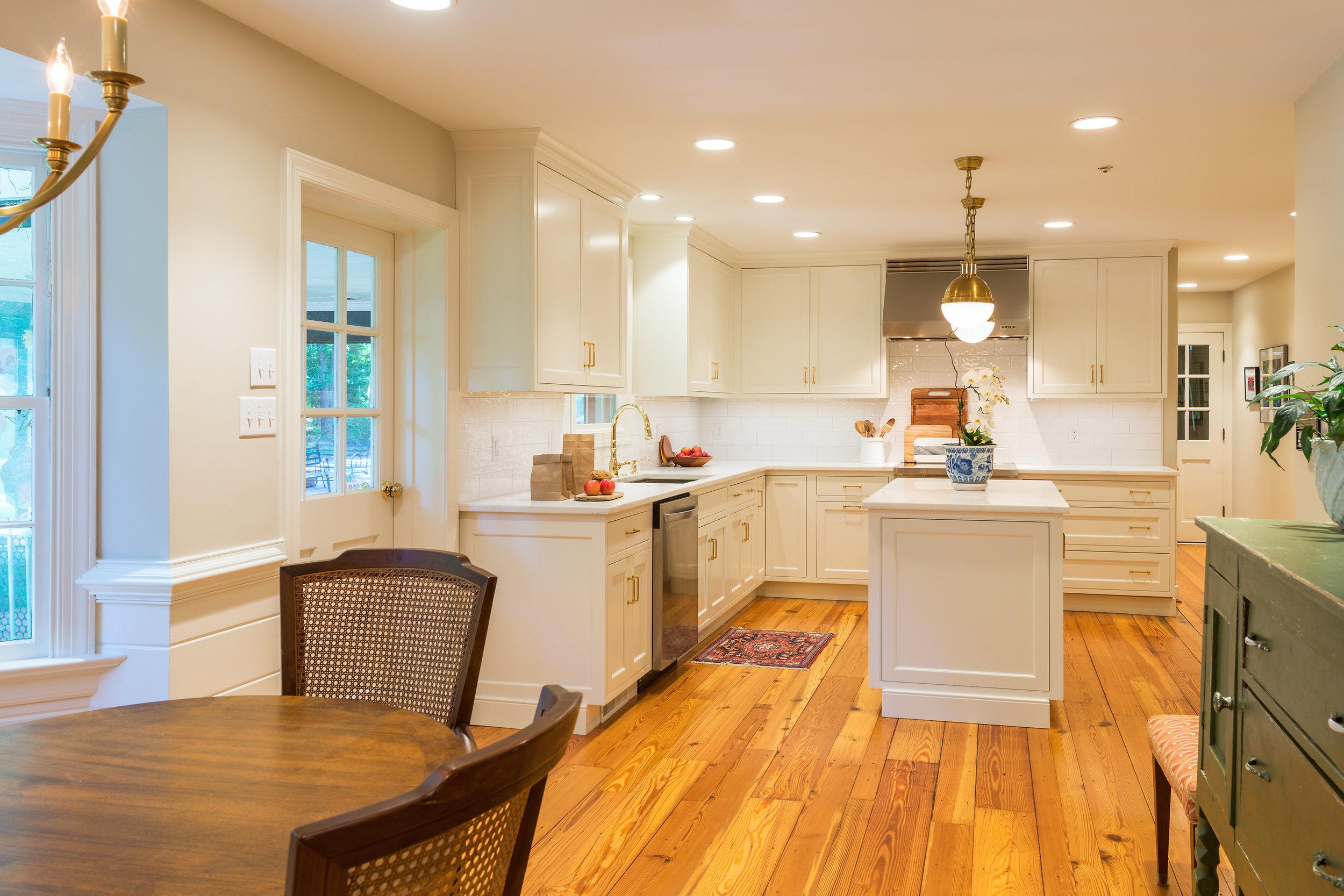 custom kitchens farmhouse kitchen tables visit our award winning showroom for design inspiration