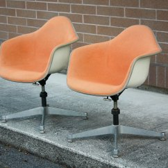 Herman Miller Chairs Seattle Accent Chair Clearance Pair Of Eames For Dat Mid And Mod Your Consideration Is A All Original 1970s Fiberglass Arm Shell Designed By Charles Ray Or The Company