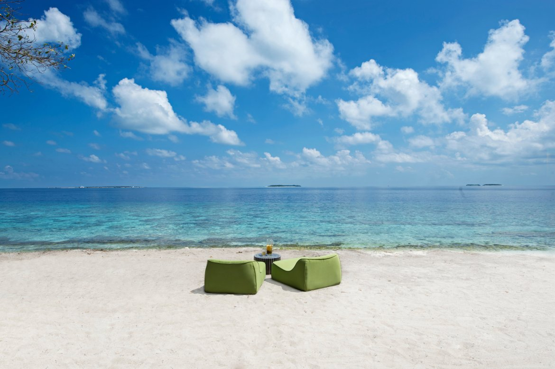 Javvu Spa Tea Lounge Beach.jpg