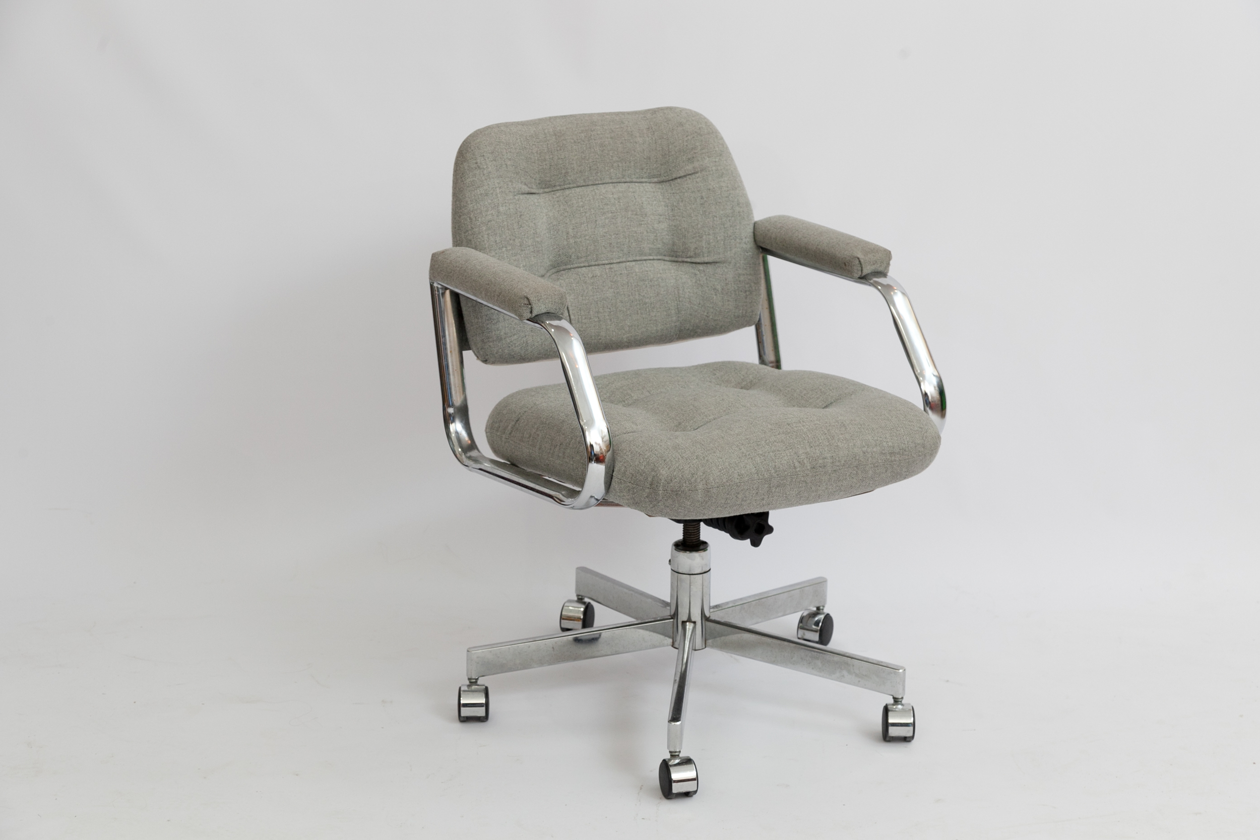 Chair On Wheels Steelcase Office Chairs On Wheels 3 Available
