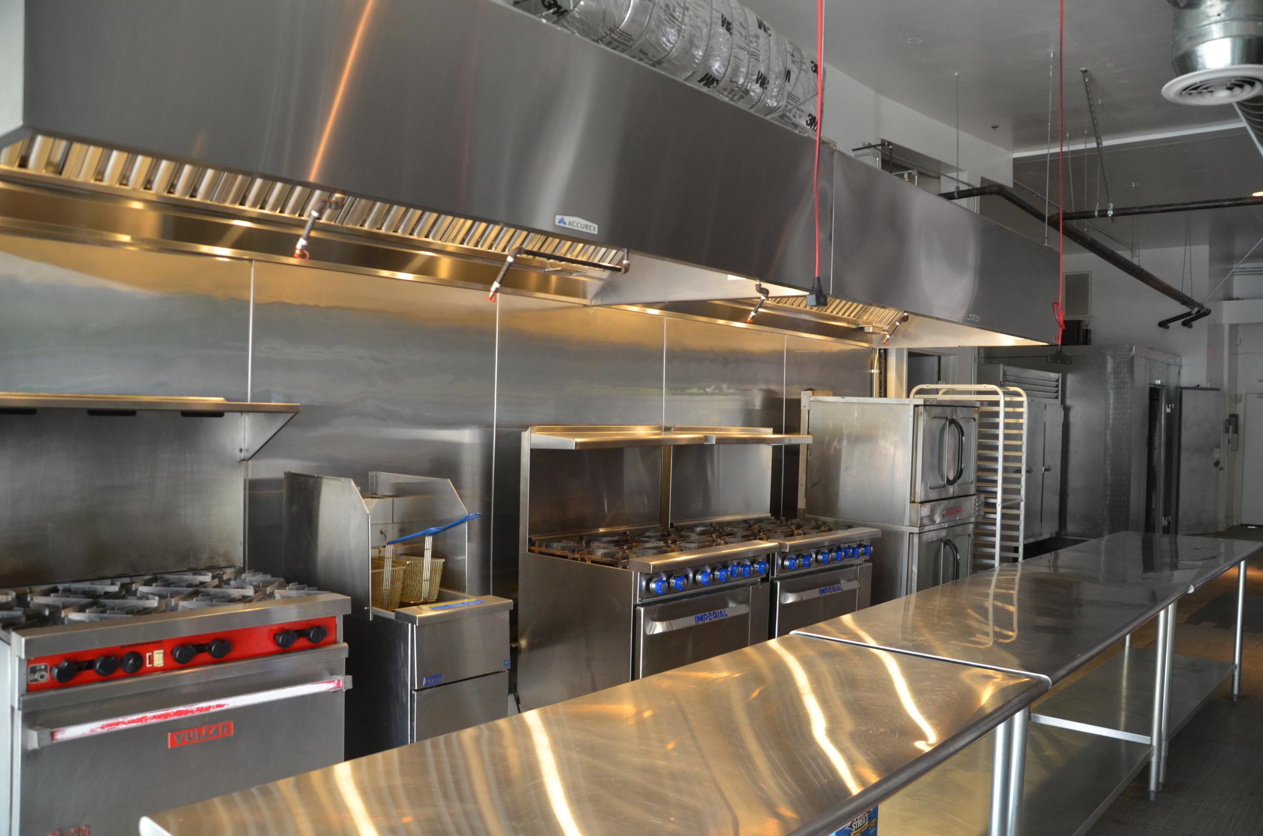 kitchen rental round formica table blvd