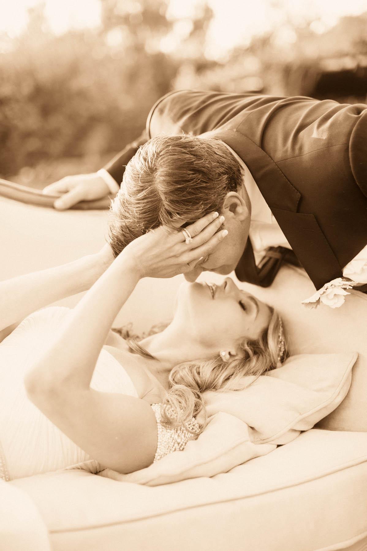 Upside Down Kiss : upside, Moments, Monday:, Upside, Santa, Barbara, Wedding, Style