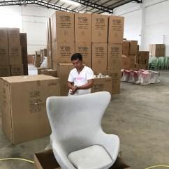 Chair Design Bangkok Sport Brella Recliner Uk Week 521 Mika S Photos Inspecting The Before Taking It Home
