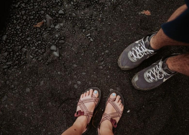 ravel Lifestyle | Travel Ideas | Lifestyle | Inspiration | Travel Photography | Beach | Bucket List | Lifestyle Photography | Maui | Summer Clothes | Chacos | Black Sand Beach | Dellany Elizabeth |