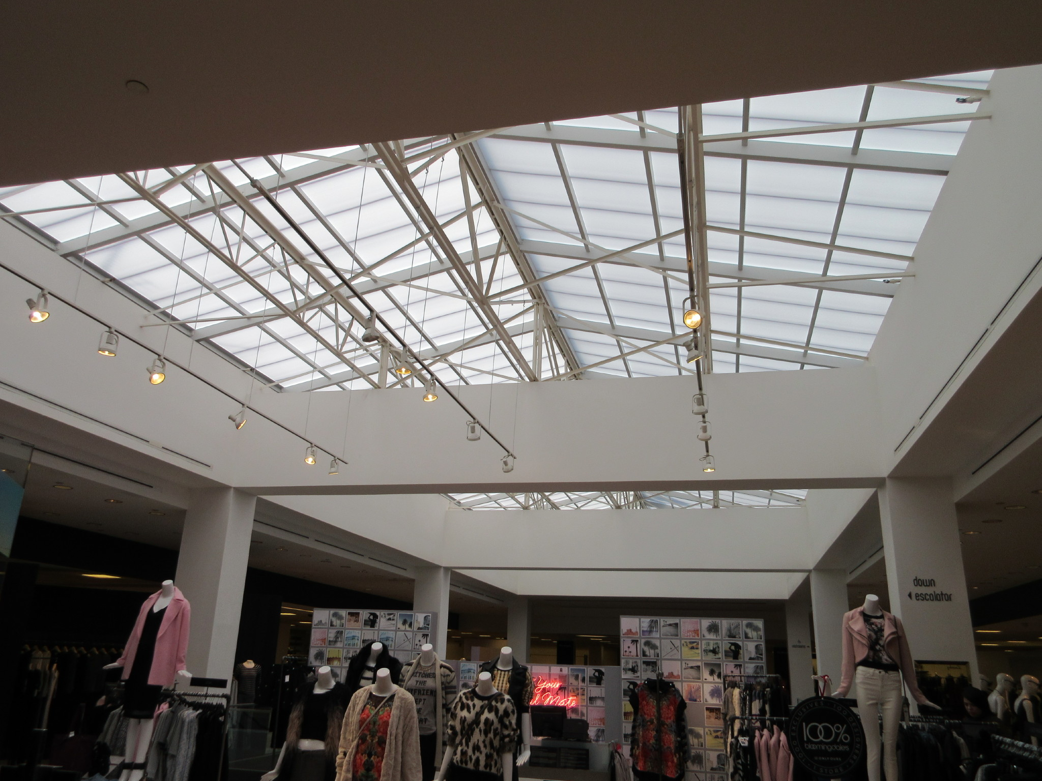 bloomingdale s beverly center