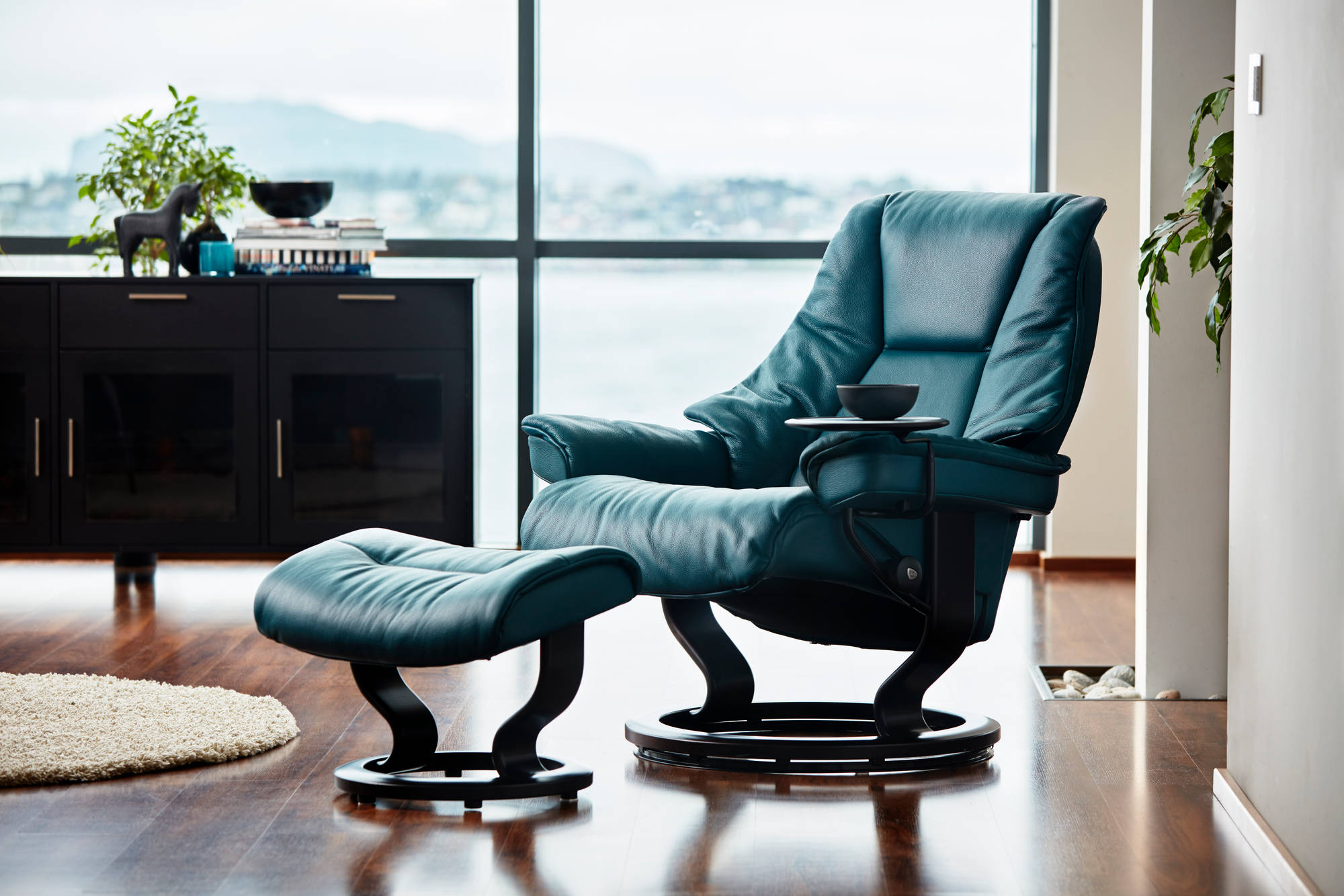 ergonomic chair norway party cover ideas stressless live recliner from designer
