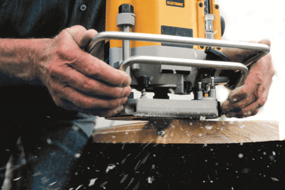 How To Use A Router Freehand