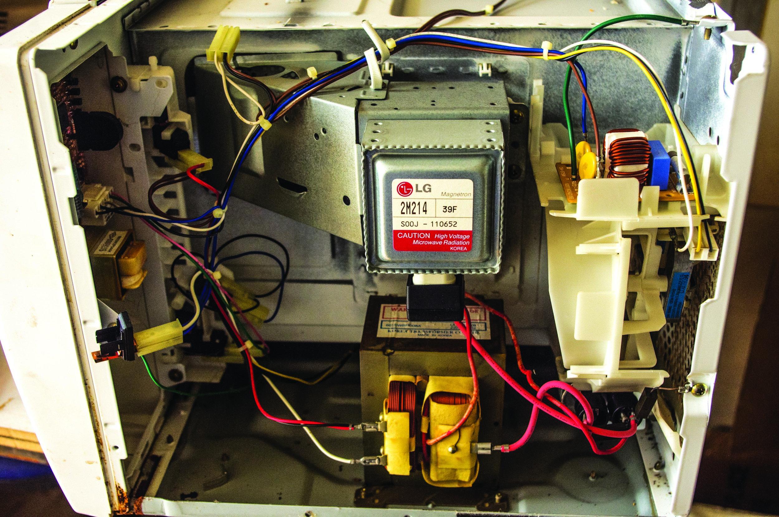 Lichtenberg Machine Neon Transformer