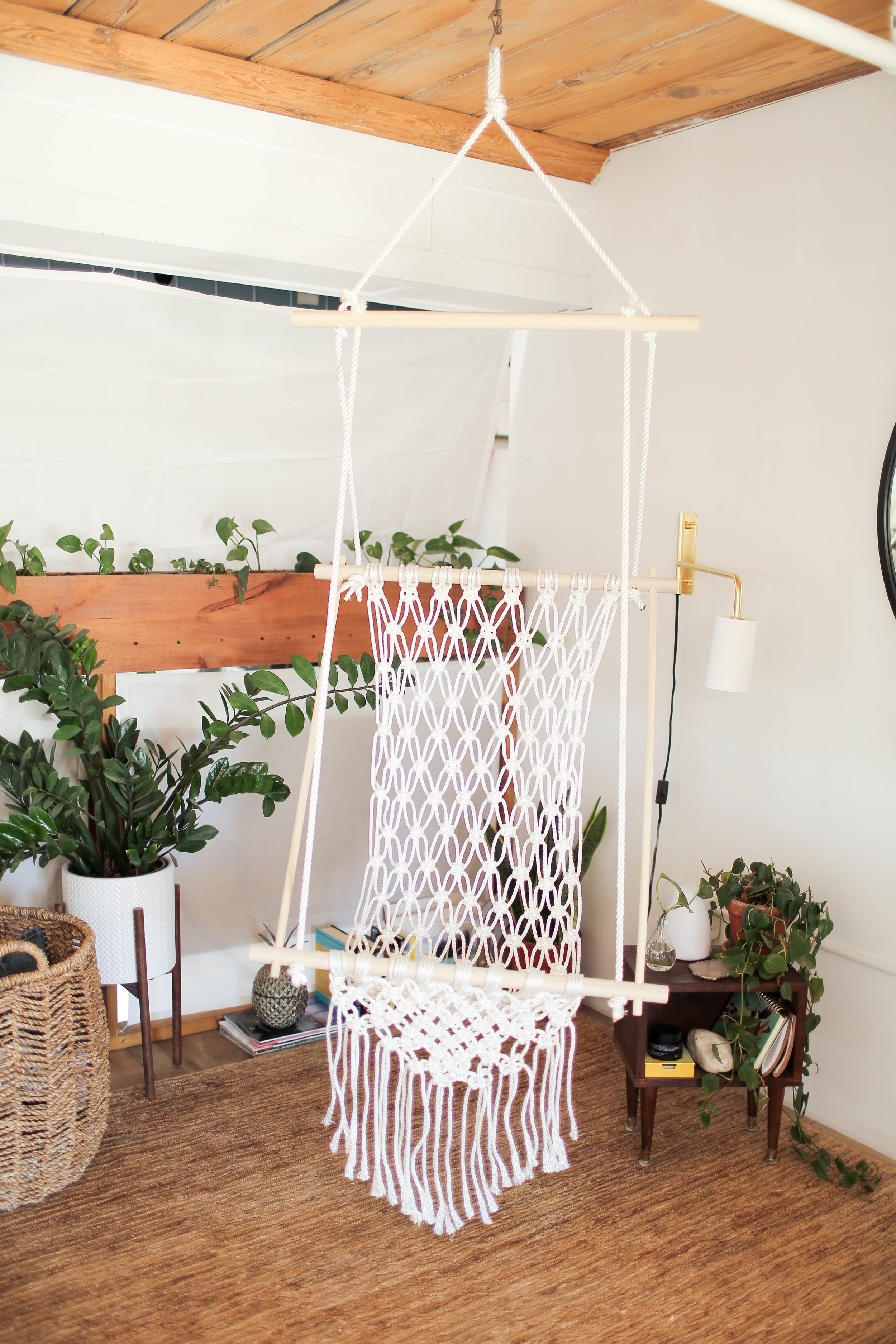 how to make a hanging chair white and half diy macrame the sorry girls if you be sure send us photo on instagram thesorrygirls using hashtag sorrygirlssquad also check out video below for