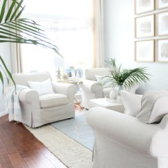 Beach Living Room Decor Grey Paint Colors Serene Coastal Chic House Full Of Summer Home Interior Palm
