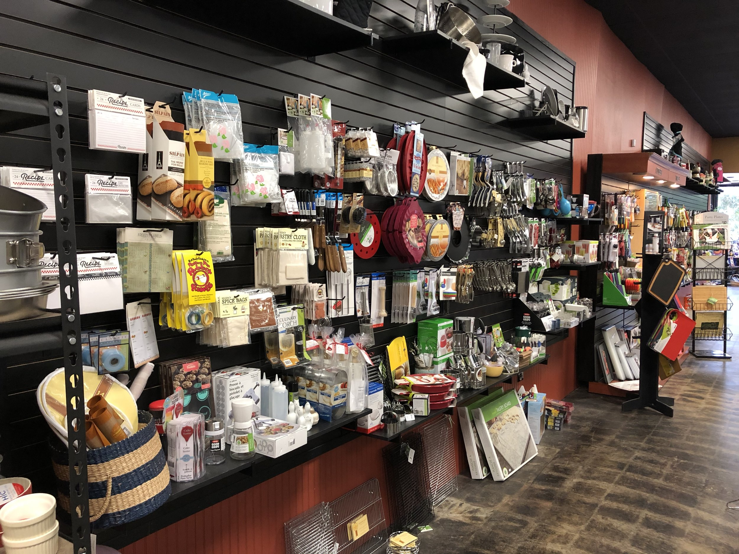kitchen store com 7 piece table set apron strings located at 1 south main in downtown hutchinson kansas is the destination for all your necessities we carry a wide range of products