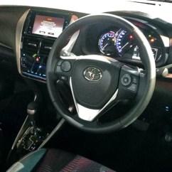 Interior New Yaris Trd 2018 Lampu Depan Grand Veloz Fitur Melimpah Tanpa Kumis Lele Review Toyota Mobil