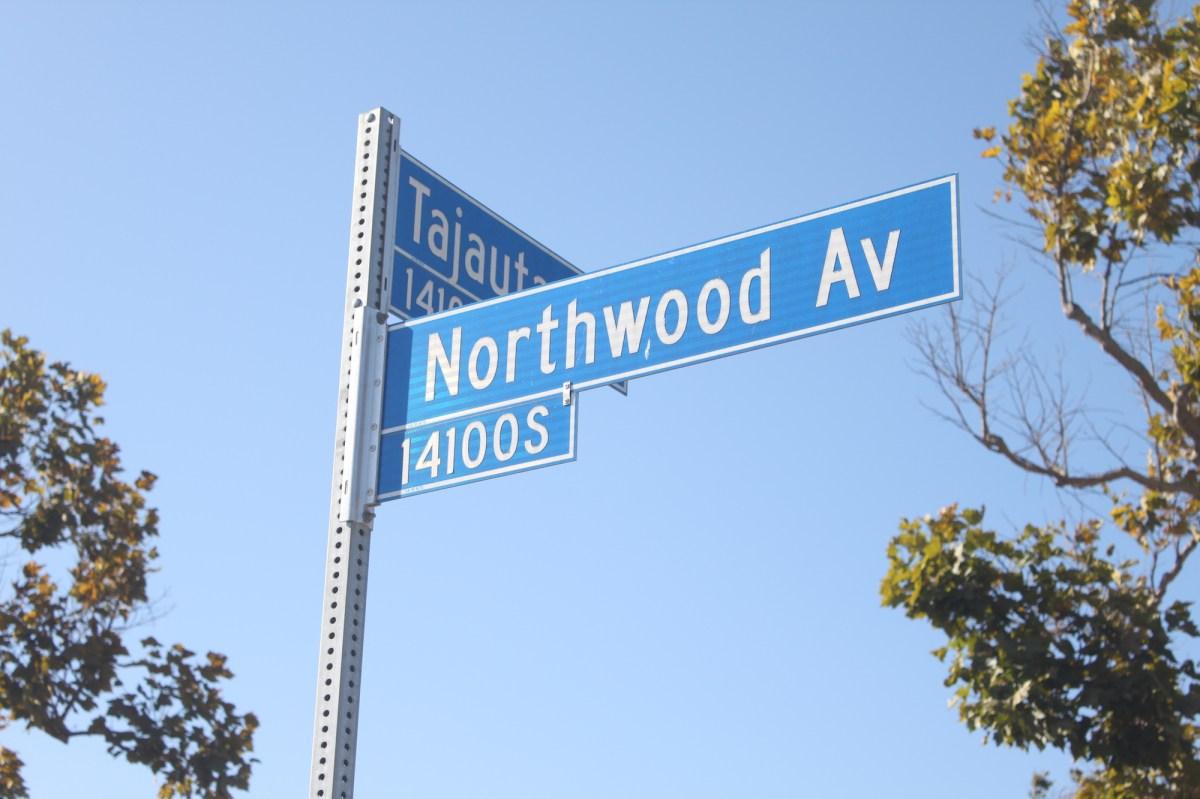 kee street signs.JPG