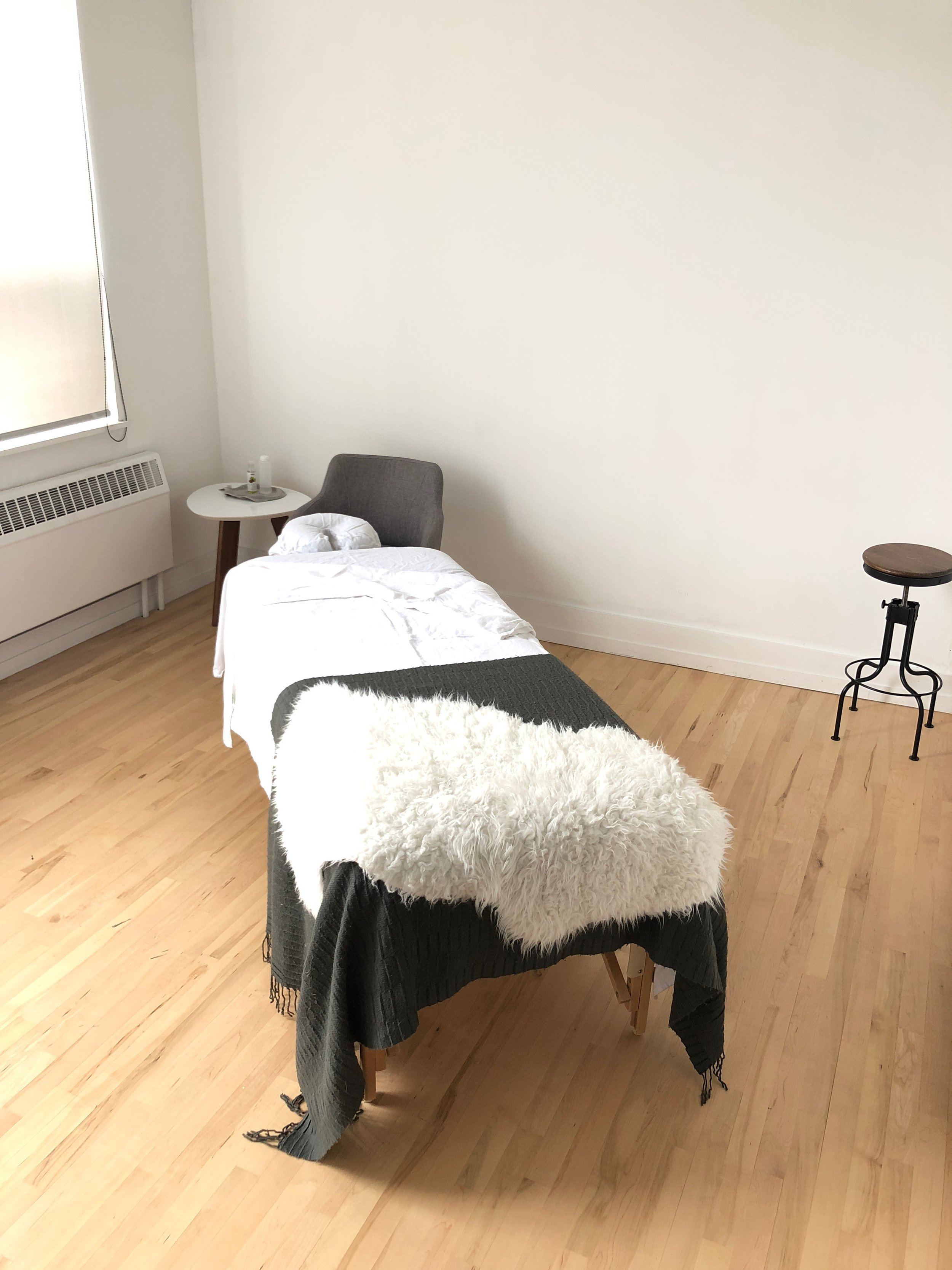 Massage Therapist Chair We Are Hiring A Massage Therapist Ebb Flow Movement Inc