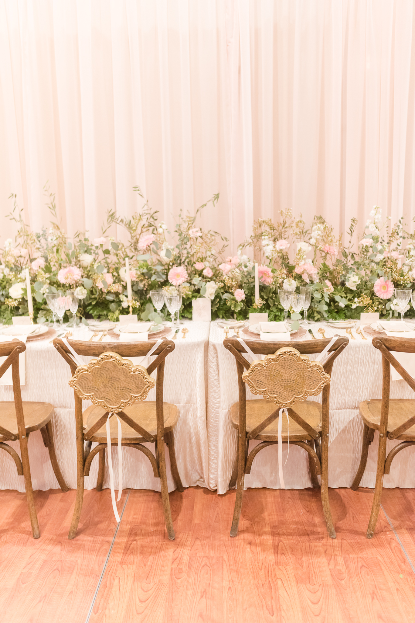 chair covers and linens indianapolis ergonomic for home office a classic party rental at the monthly bridal show rakoteet photography indiana wedding photographer