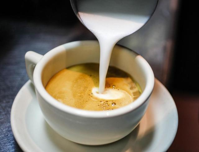 Resultado de imagen para cafe con leche