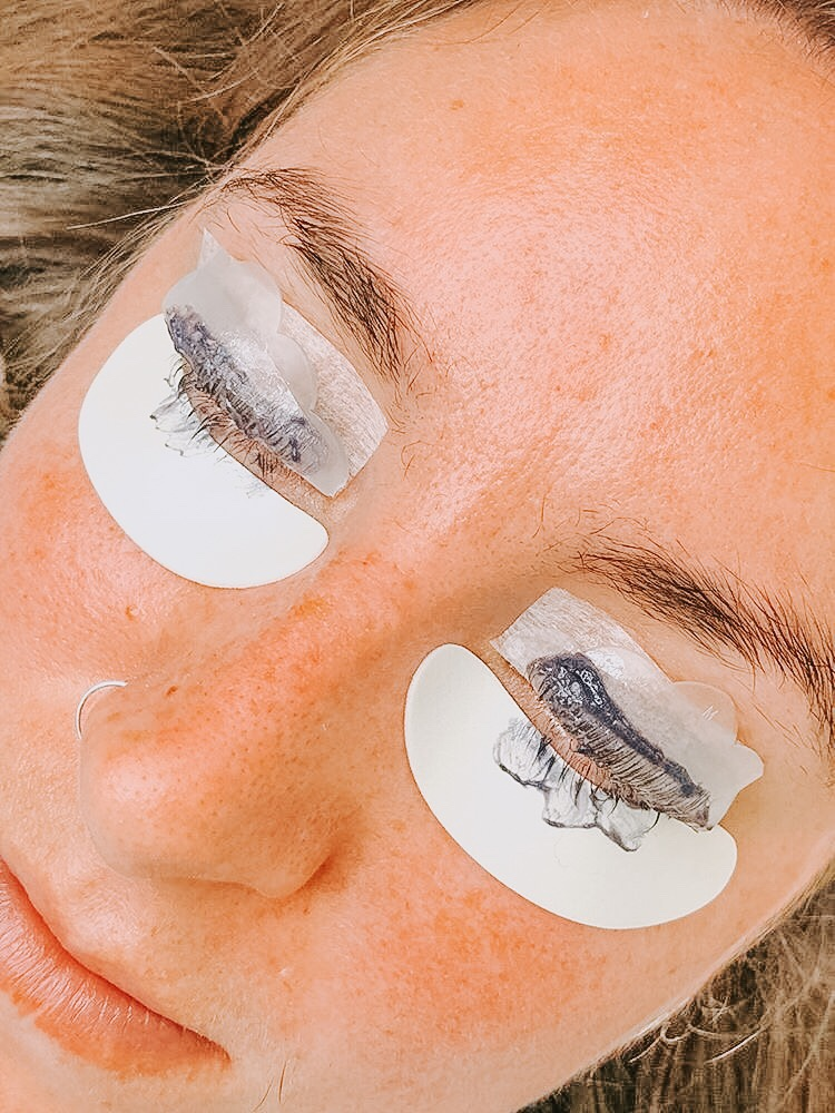 LVL Lashes - during.