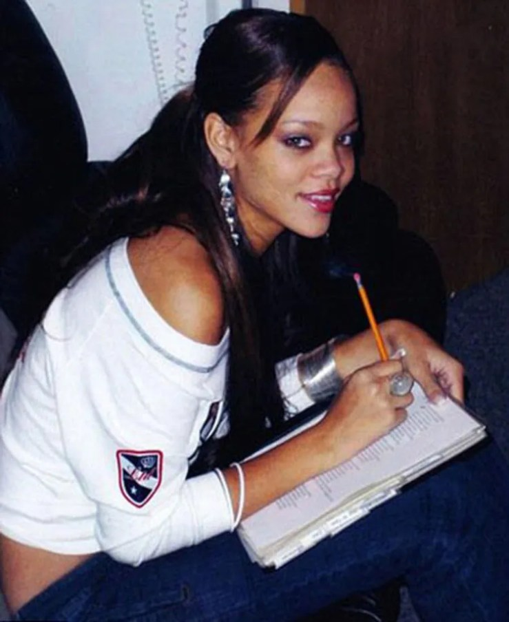 Here Are 20 Rare Photos Of Rihanna Before Fame | TheThings