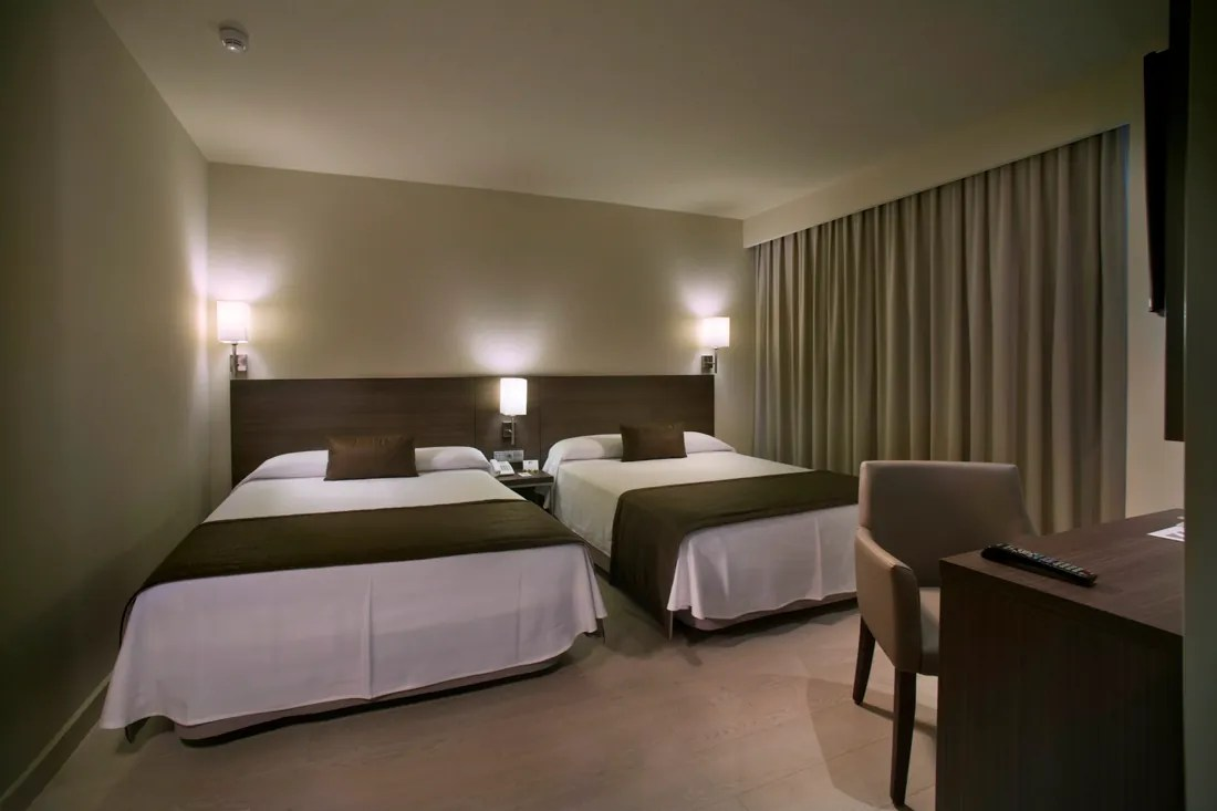 Chambre Familiale 2 adultes  2 enfants  Hotels Mediterrneo
