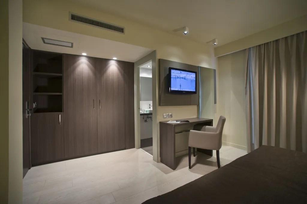 Habitacin familiar 2 adultos  2 nios  Hotels Mediterrneo