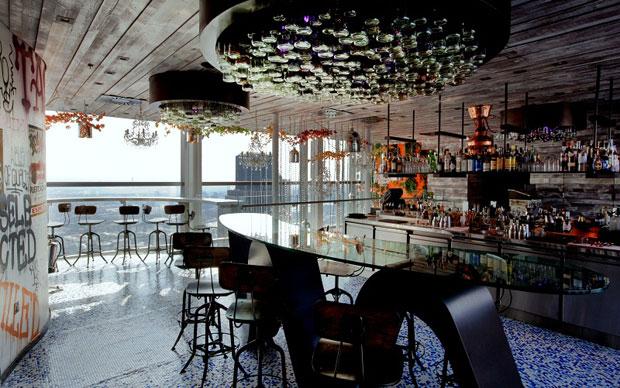 Un tavolo nel cielo di Londra  LivingCorriere
